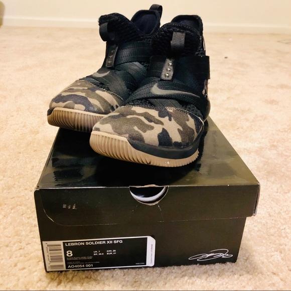more photos 7b613 16587 Nike Lebron Soldier 12 SFG, Black/ Hazel Rush